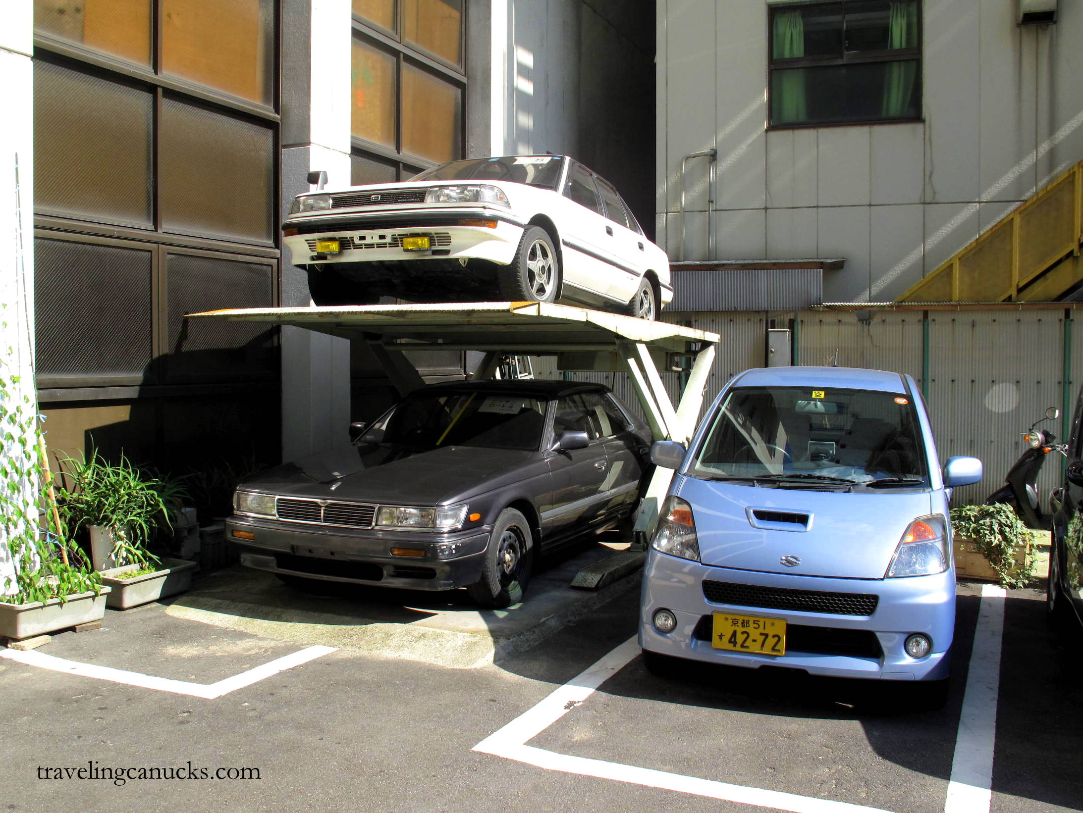 The art of parking tokyo style japangasm for Parking solutions for small spaces