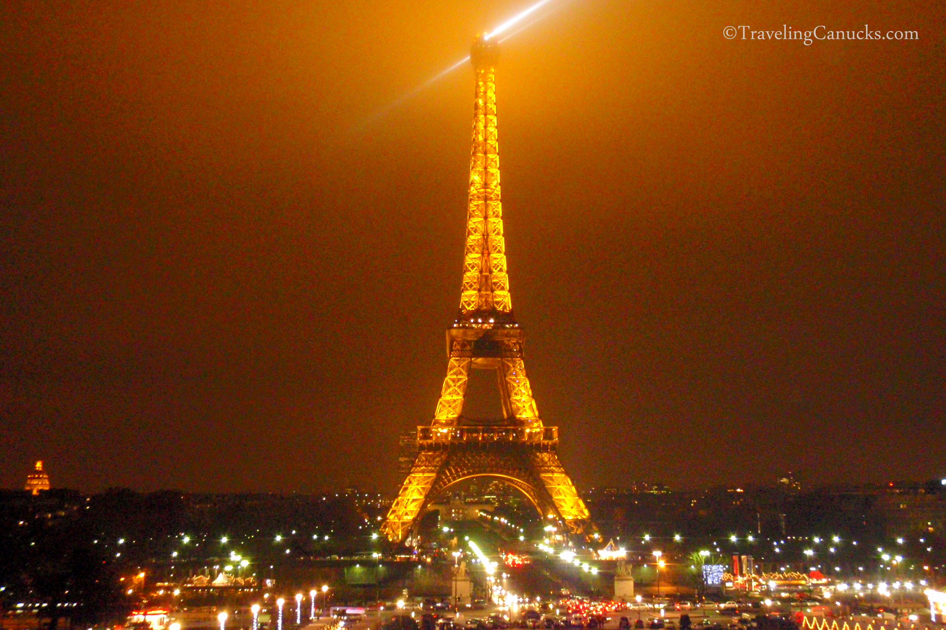 Eiffel tower light show in paris, france