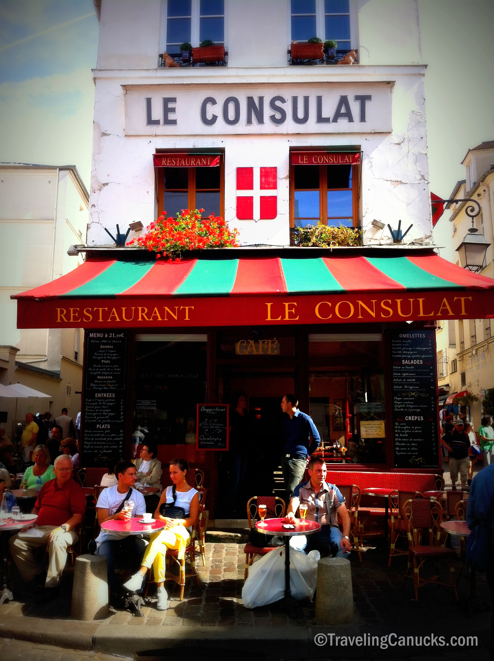 Photo of the week le consulat in montmartre paris for Le miroir restaurant montmartre