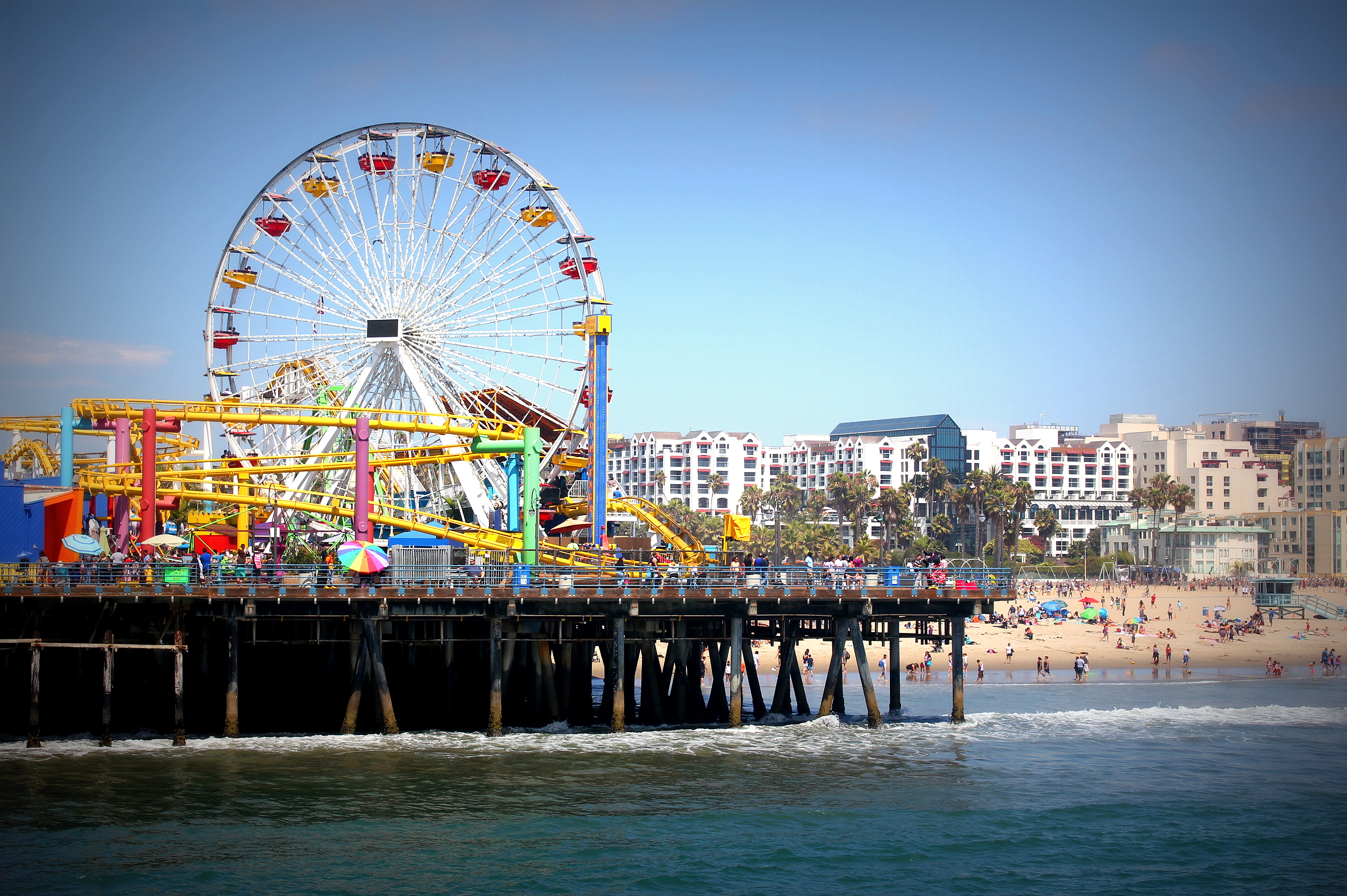 VIDEO: Afternoon at the Santa Monica Pier, California