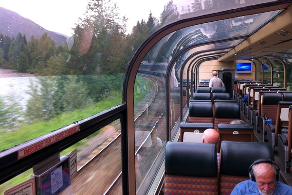 Overnight Train From Vancouver To Jasper With VIA Rail
