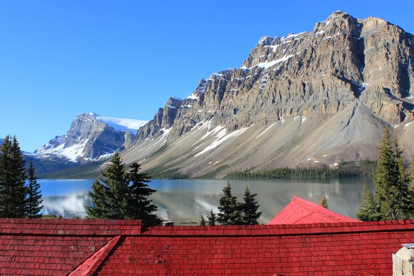 Simpson's Num-ti-jah lodge, Bow Lake, Alberta