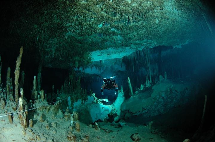 cenote-dive-mexico
