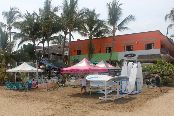 Surfboard rentals in Sayulita Mexico