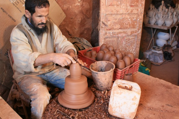 Handmade-Moroccan-Pottery-from-Safi-
