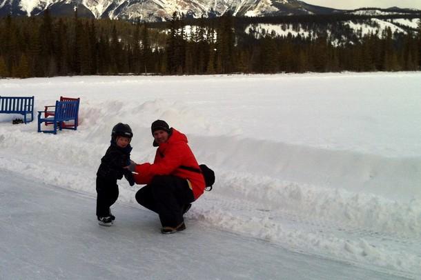 winter-jasper-ice-skating-1