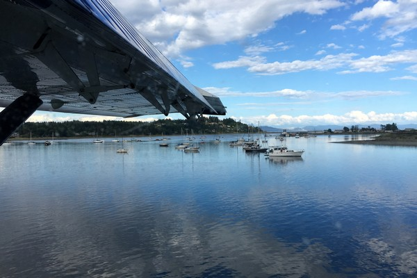 Seaplane flight in British Columbia, Comox Harbour