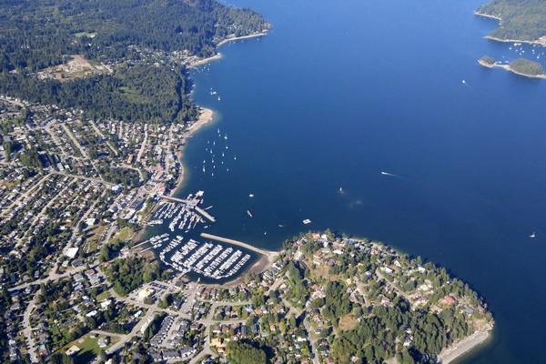 Seaplane flight in British Columbia, Howe Sound, Gibsons, Sunshine Coast