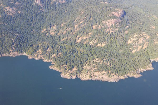 Seaplane flight in British Columbia, Sunshine Coast