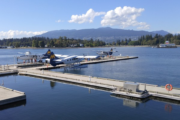 Seaplane flight in British Columbia, Vancouver Harbour