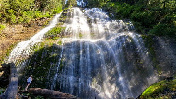 bridal-falls-british-columbia-canada-02