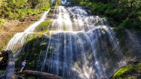 bridal-falls-british-columbia-canada-02
