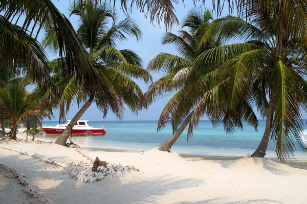 Travel to Belize, Laughing Bird Caye
