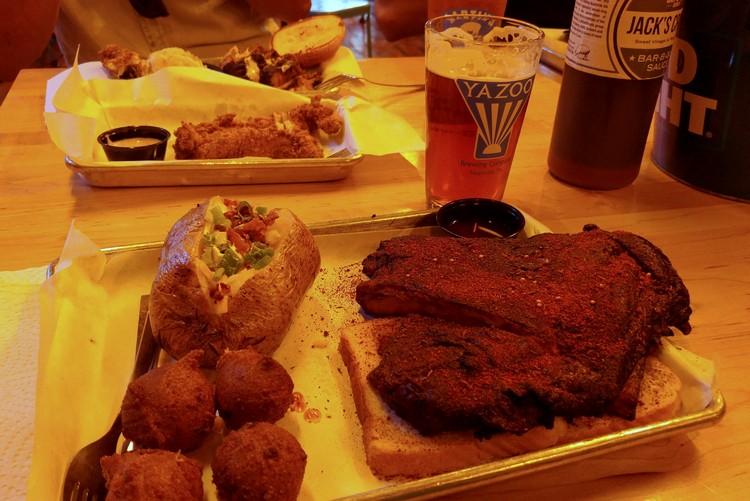 Martin's BBQ Joint, Nashville
