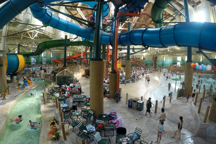 Indoor Water Park, Great Wolf Lodge in Niagara Falls, Ontario, Canada