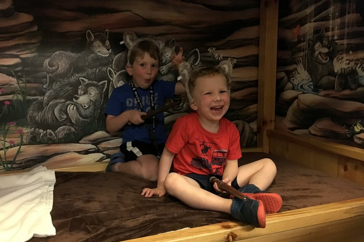 wolf den, great wolf lodge, Niagara falls