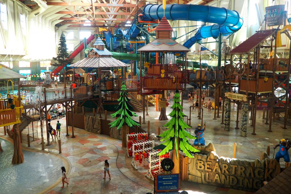 Great Wolf Lodge. 1,, likes · 11, talking about this · 2,, were here. North America's largest family of indoor water park resorts. Built.