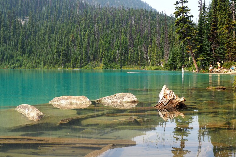 Hiking in Whistler, Joffre Lakes Provincial Park, British Columbia