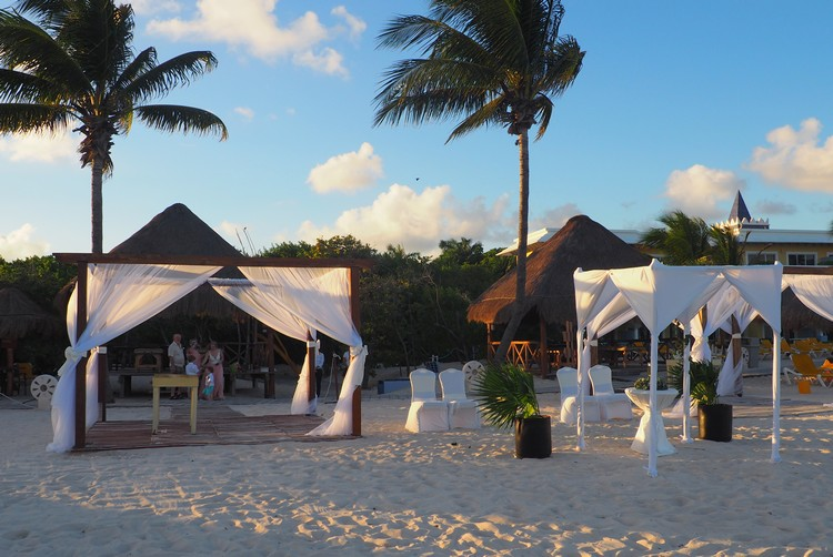 Wedding vow renewal in mexico