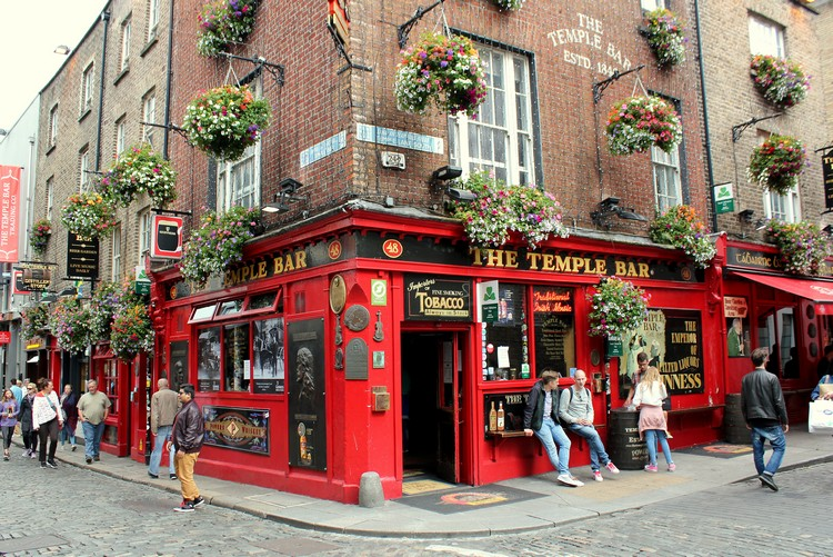 Temple Bar, Dublin - Popular red pub in Dublin - Top Ireland attractions