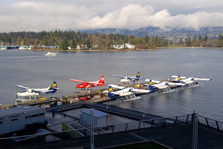 Coal Harbour airport float planes docked in Vancouver Harbour Airport