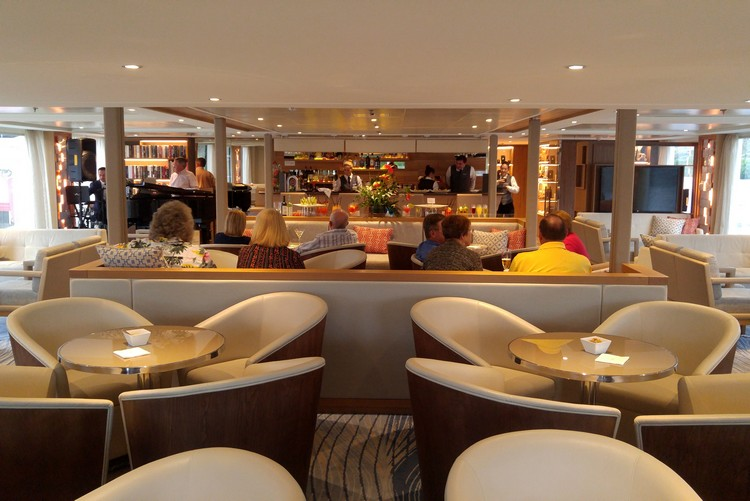 European river cruise, Lounge on Viking Osfrid, Portugal, Douro River Cruise