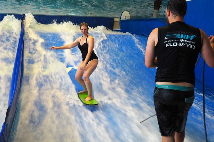Maeva Indoor Surfing, Flowrider, Laval, Quebec