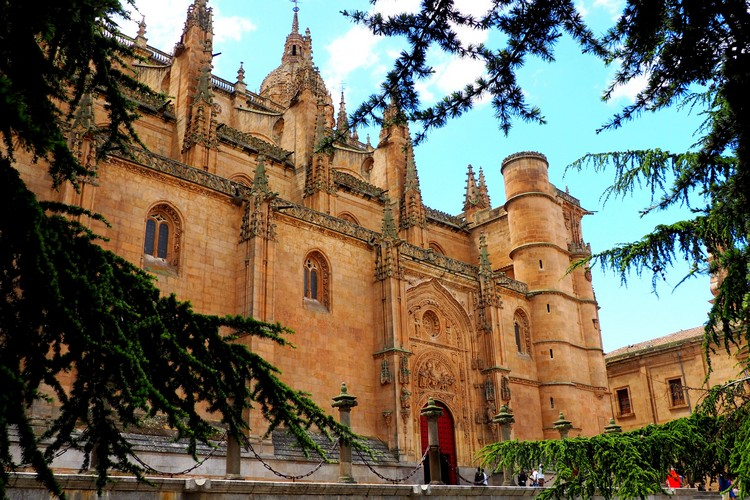 exterior view of the Salamanca Cathedral
