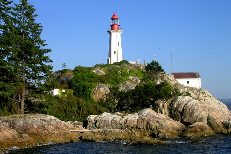 the lighthouse at Lighthouse Park in West Vancouver