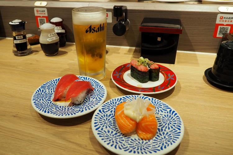conveyor belt sushi in Tokyo, nigiri sushi from Tokyo Restaurant