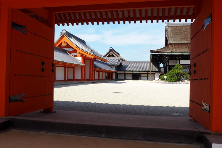 inside the Kyoto Imperial Palace, temple photos of Kyoto, Japan