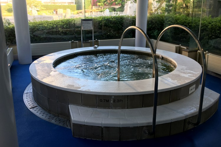hot tub at Oasis inside the Sheraton Grande Tokyo Bay Hotel at Tokyo Disneyland