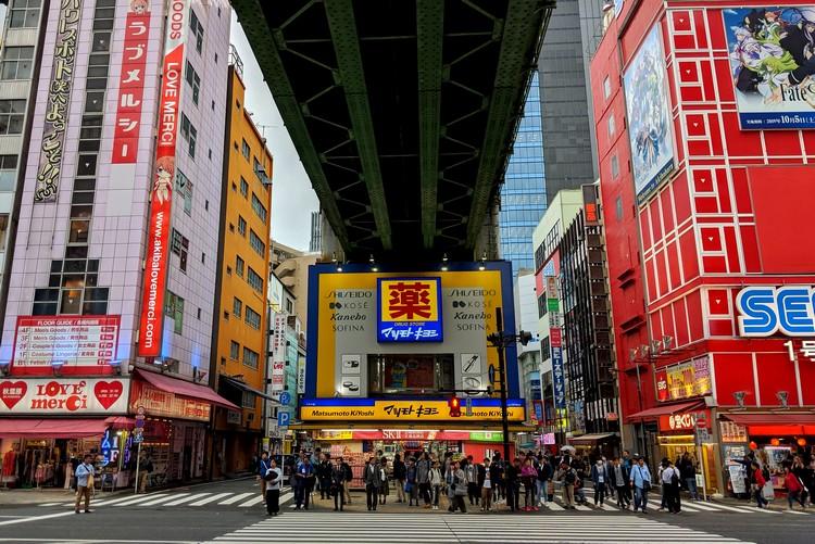 Akihabara neon lights, how to spend 3 days in Tokyo Japan