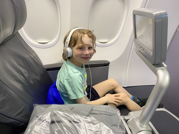 Kid flying Business Class on Copa Airlines