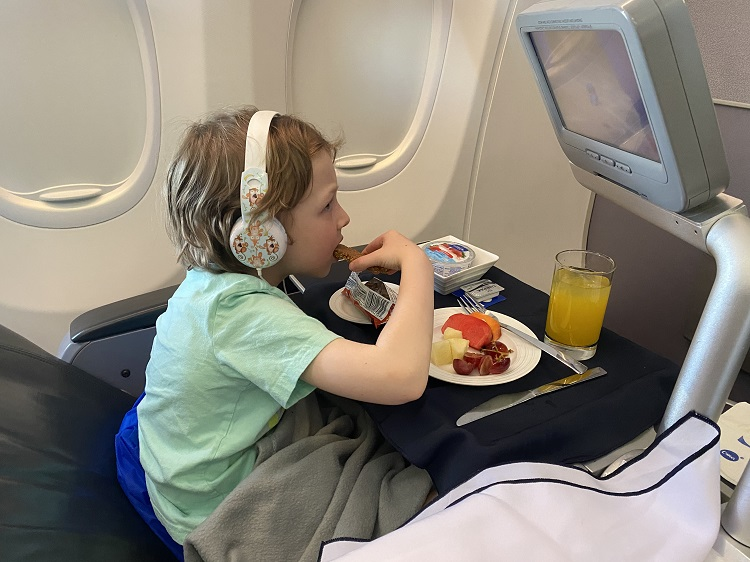 kids fruit plate in Business Class on Copa Airlines