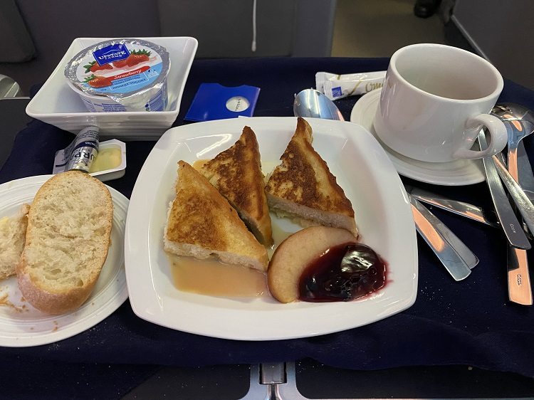 French Toast breakfast in Business Class Copa Airlines food menu