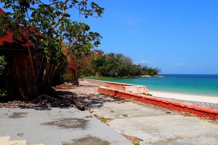 beach at Hotel Contadora Island Panama all inclusive now closed