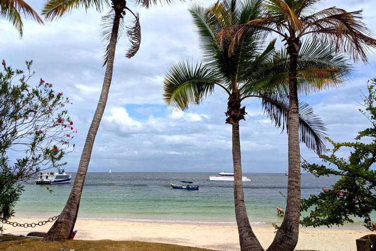 Sea Las Perlas Ferry Check-in on Contadora Island, beach resort Playa Larga, Pearl Islands Panama