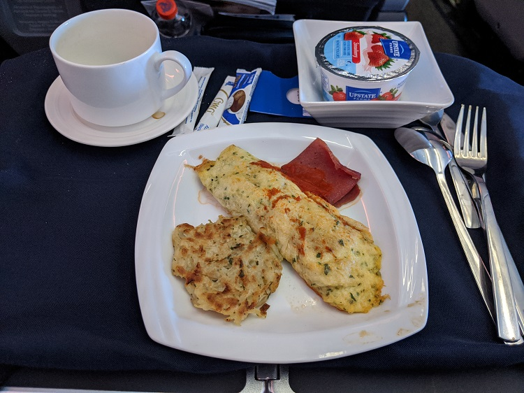 Omelet breakfast on Copa Airlines Business Class