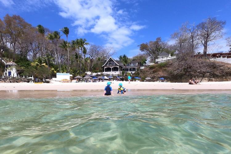 beach in front of Hotel May y Oro Contadora Island Panama