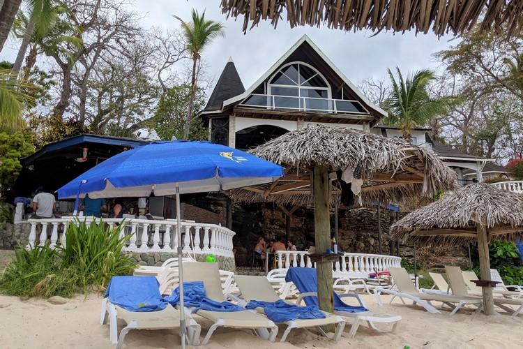 beach bar at Hotel Mar y Oro Contadora Island Panama