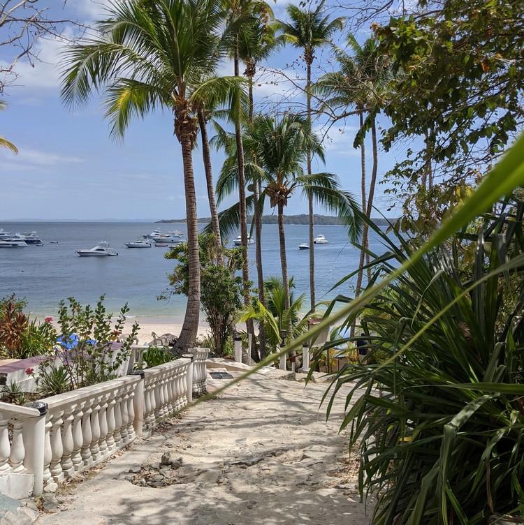 path to beach and ferry on Cacique Beach Contadora Island hotel