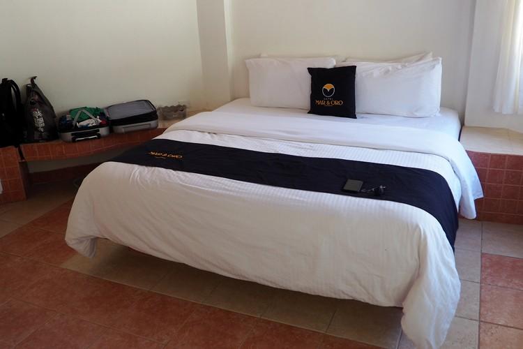 beds inside guestroom at Hotel Mar y Oro Contadora Island