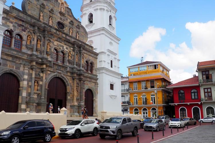 plaza Panama Metropolitan Cathedral in Casco Viejo