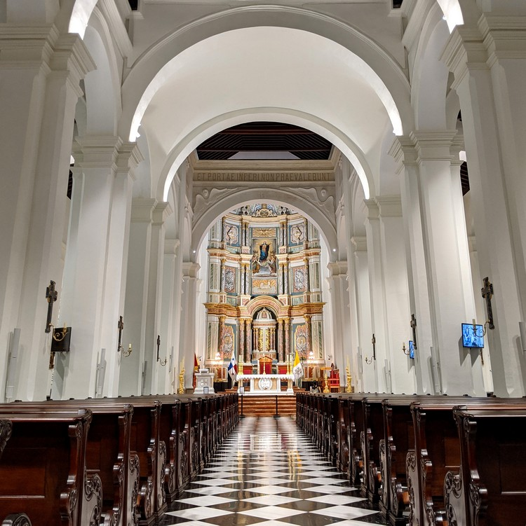 inside the Panama Metropolitan Cathedral, photos of Casco Viejo Panama City
